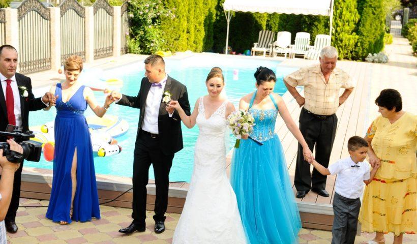 Suprinde Ti Invitatii De La Nunta 5 Lucruri La Care Acestia Se
